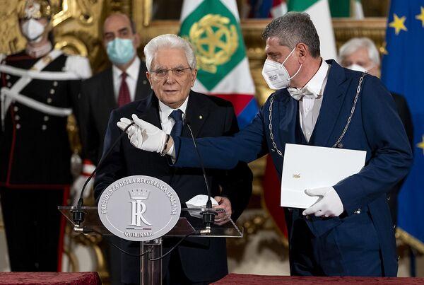 Il Presidente della Repubblica Sergio Mattarella durante una conferenza stampa,  2 febbraio 2021. - Sputnik Italia