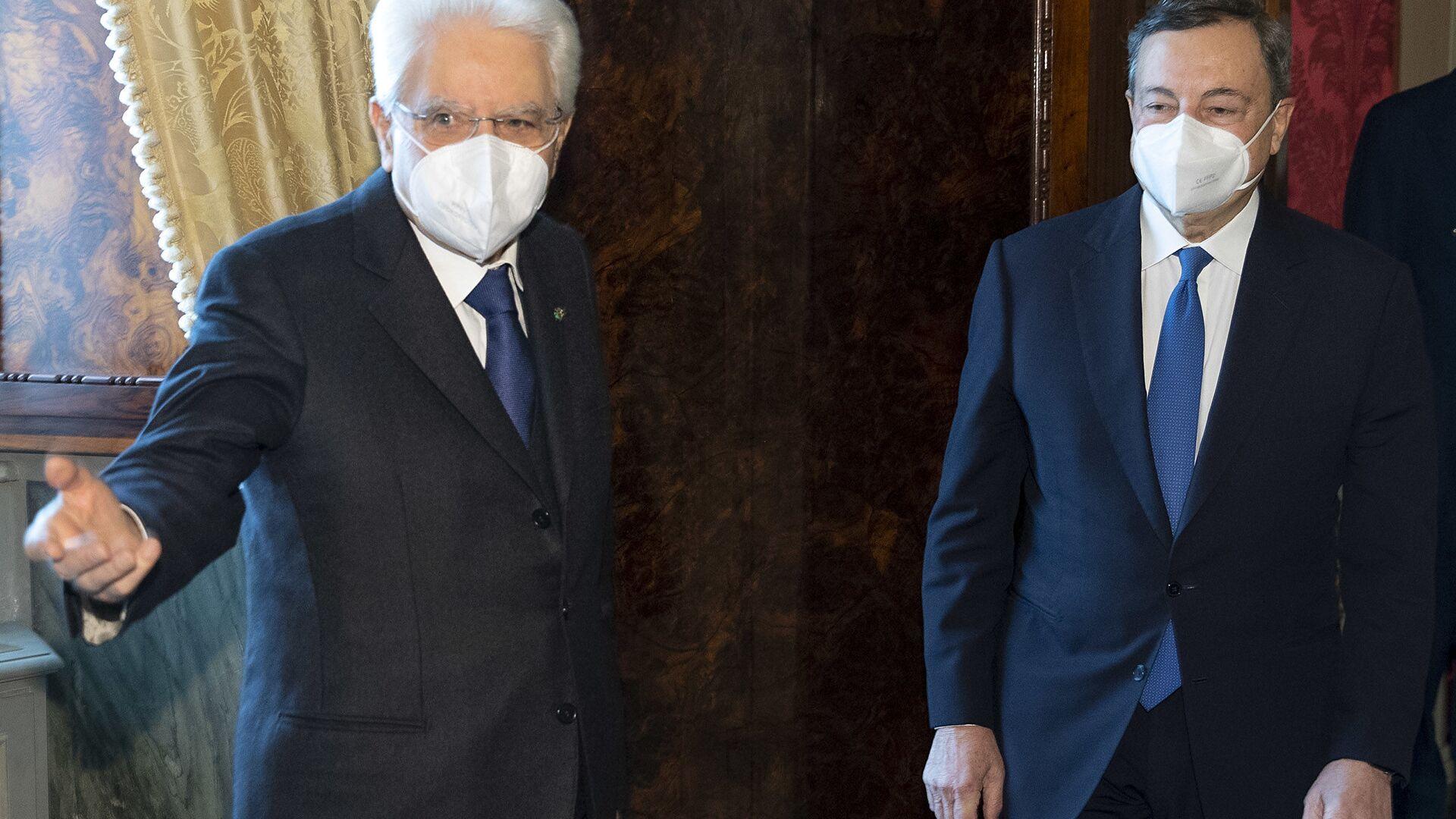 Il Presidente della Repubblica Sergio Mattarella con Mario Draghi al Quirinale - Sputnik Italia, 1920, 23.05.2021