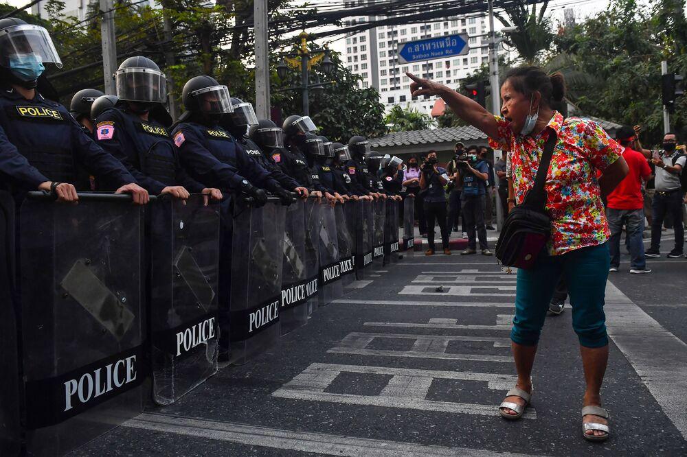 Partecipante alle proteste a Bangkok, Thailandia