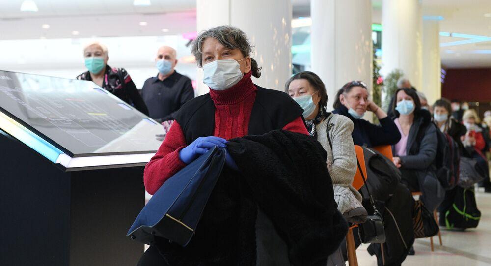 La vaccinazione di massa contro il coronavirus in Russia con il vaccino Sputnik V  prosegue a pieno ritmo