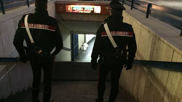 Controlli dei carabinieri alla stazione Termini - Sputnik Italia