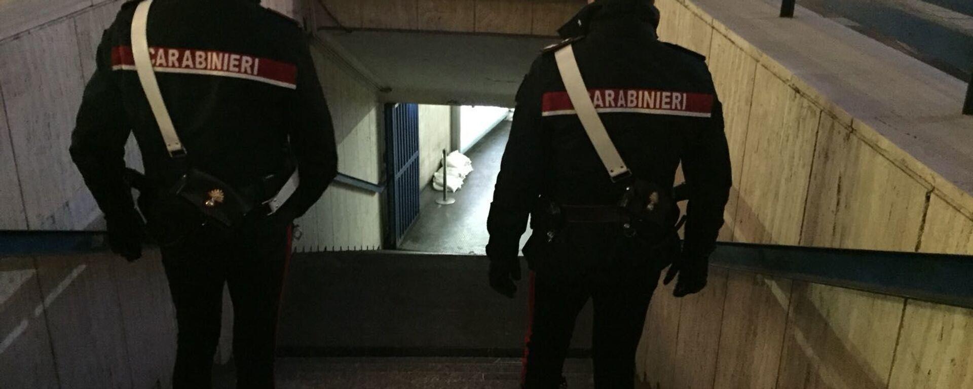 Controlli dei carabinieri alla stazione Termini - Sputnik Italia, 1920, 01.04.2021