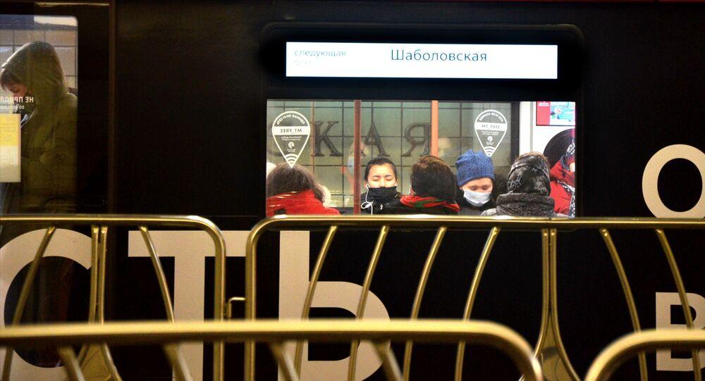 Coronavirus in Russia - Mosca, metropolitana, febbraio 2021
