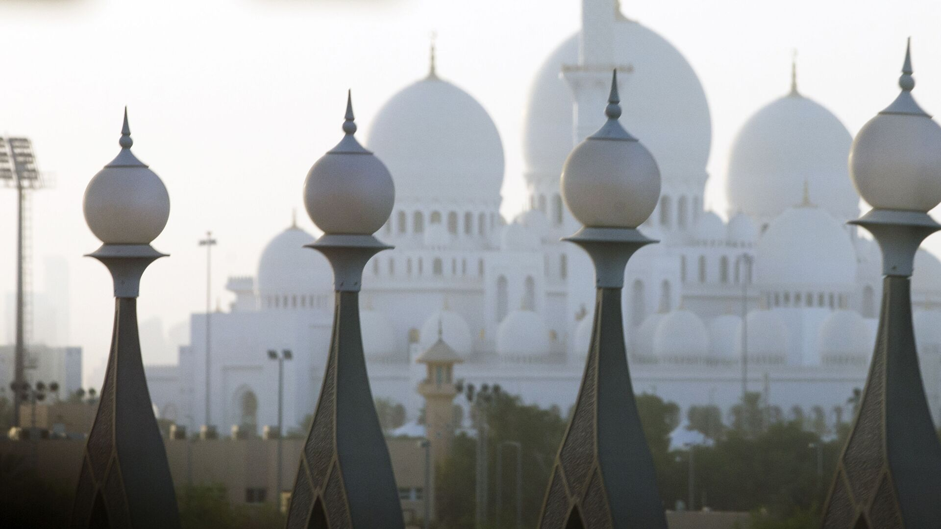 Abu Dhabi, capitale degli Emirati Arabi Uniti - Sputnik Italia, 1920, 27.06.2021