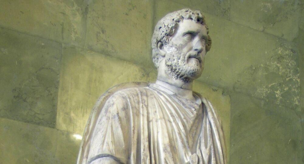 Statua dell'imperatore romano Antonino Pio