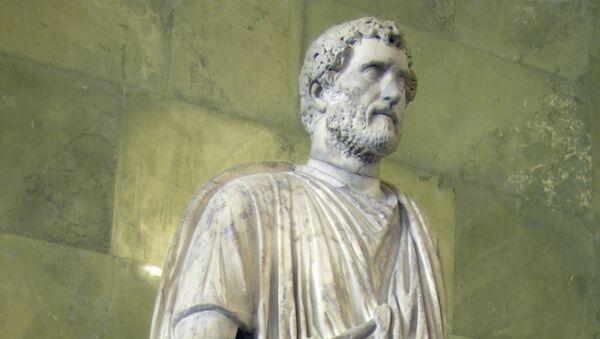 Statua dell'imperatore romano Antonino Pio - Sputnik Italia