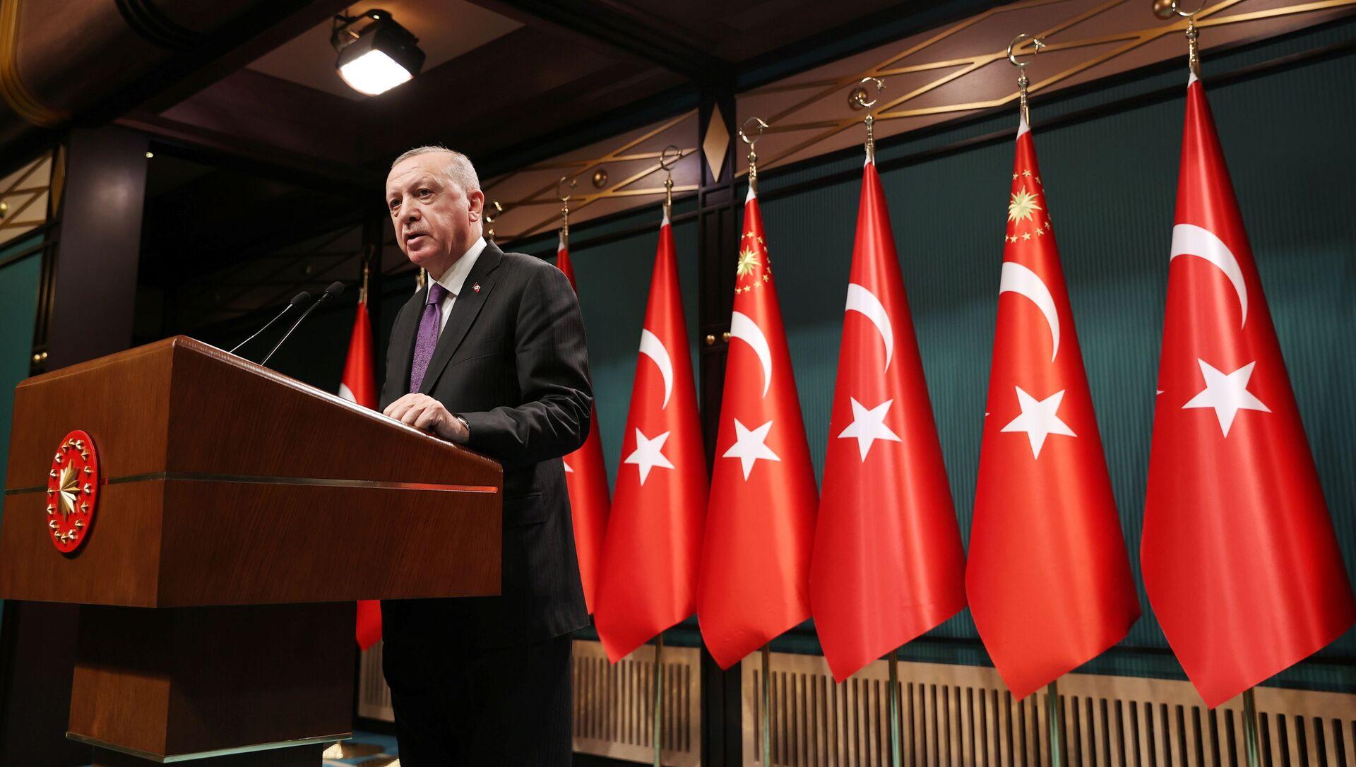 Turkish President Tayyip Erdogan speaks during a news conference following a cabinet meetingin Ankara, Turkey February 1, 2021. - Sputnik Italia, 1920, 09.02.2021