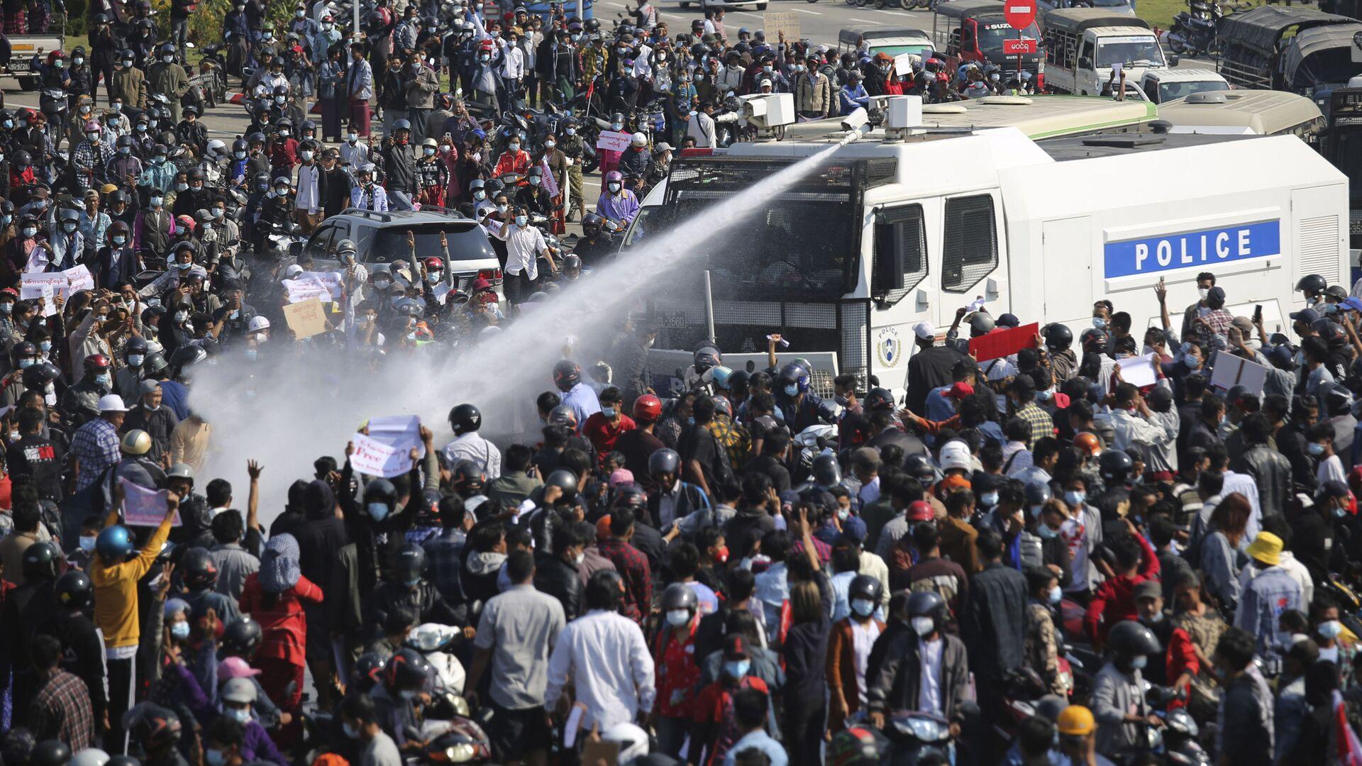 Proteste in Myanmar, Feb. 8, 2021.  - Sputnik Italia, 1920, 28.06.2021