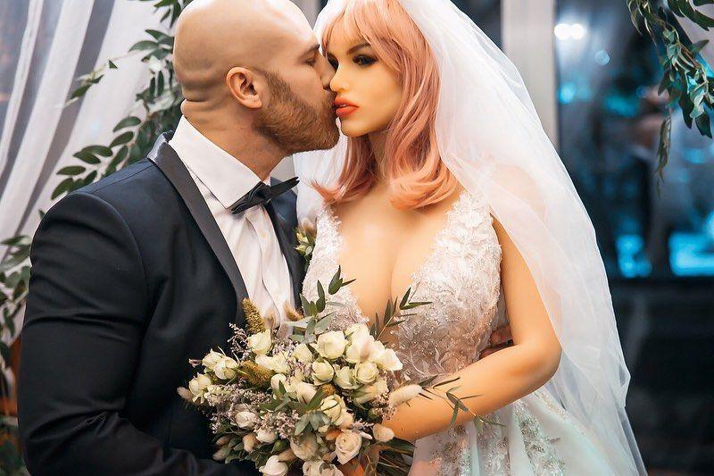 bodybuilder Yuri Tolochko and his wife Margo