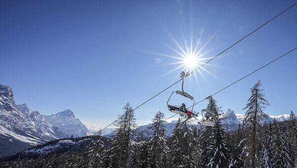 Una seggiovia a Cortina d'Ampezzo - Sputnik Italia