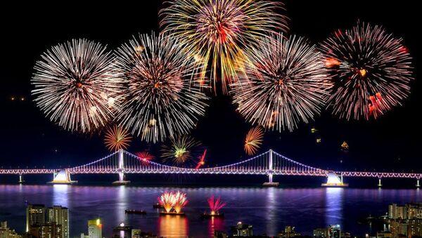 Fuochi d'artificio nella Corea del Sud - Sputnik Italia