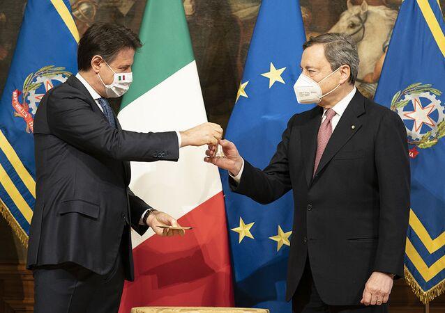 Passaggio di consegne tra Conte e Draghi