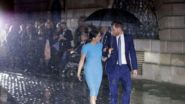 Harry e Meghan - Sputnik Italia
