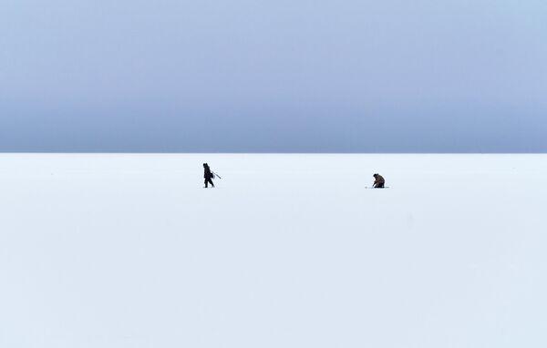Pescatori sul lago Ladoga nella Repubblica di Carelia, Russia - Sputnik Italia