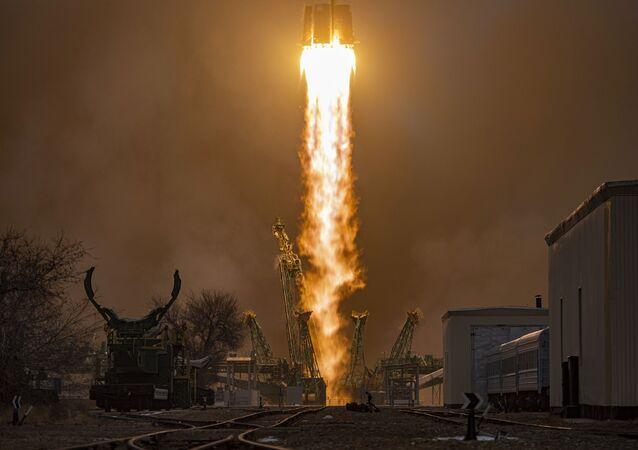 Il lancio del cargo spaziale russo Progress MS-16 verso la Stazione Spaziale Internazionale