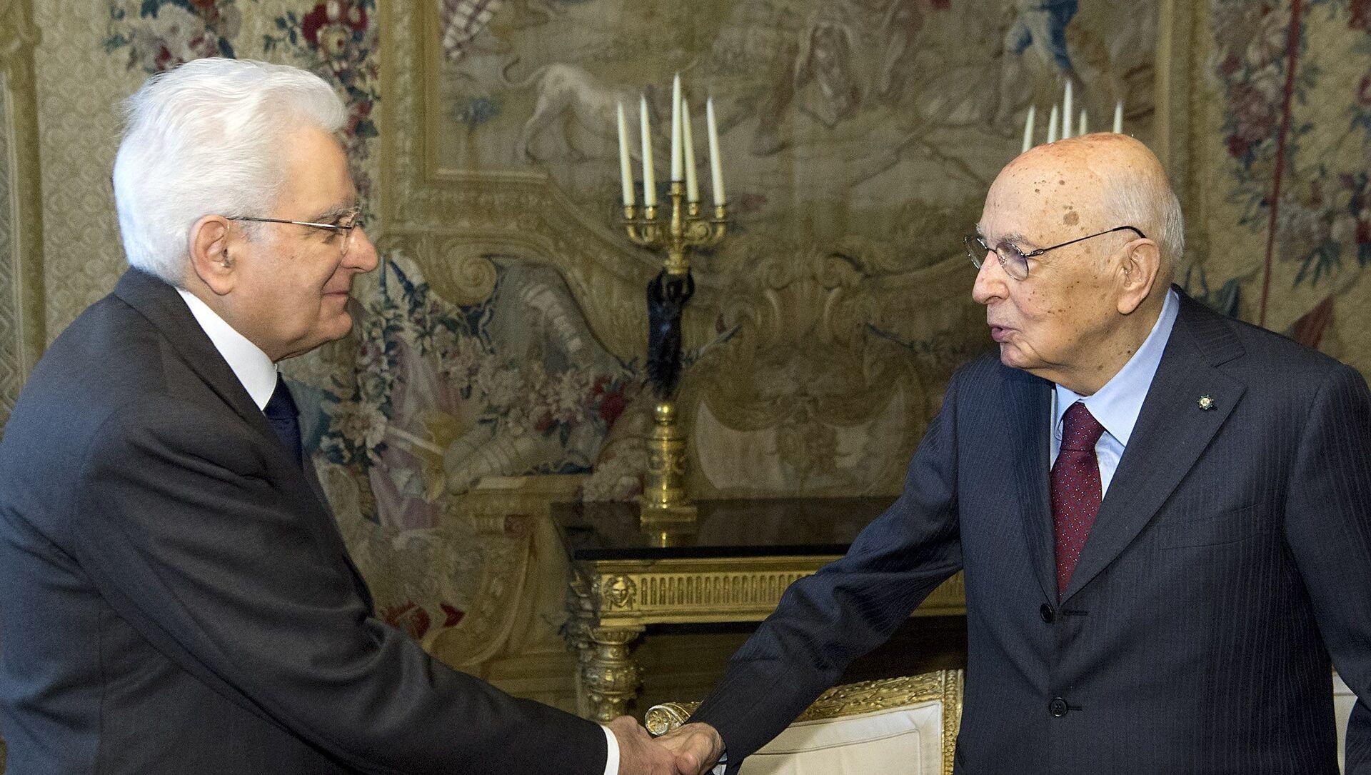 Roma - Il Presidente della Repubblica Sergio Mattarella con il Presidente Emerito Giorgio Napolitano, oggi 13 aprile 2018. - Sputnik Italia, 1920, 16.02.2021