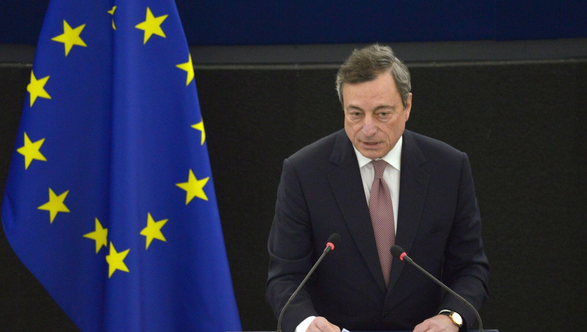 Draghi e il messaggio a Salvini: 'Questo governo significa condividere irreversibilità dell'euro' - Sputnik Italia, 1920, 17.02.2021