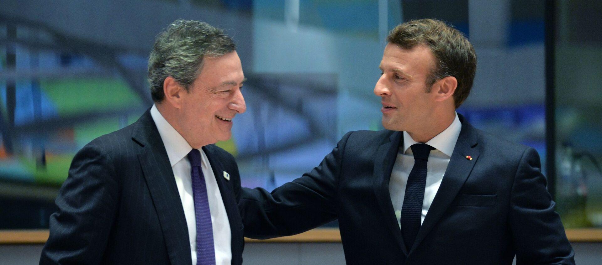 Mario Draghi e Emmanuel Macron - Sputnik Italia, 1920, 16.03.2021
