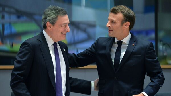 Mario Draghi e Emmanuel Macron - Sputnik Italia
