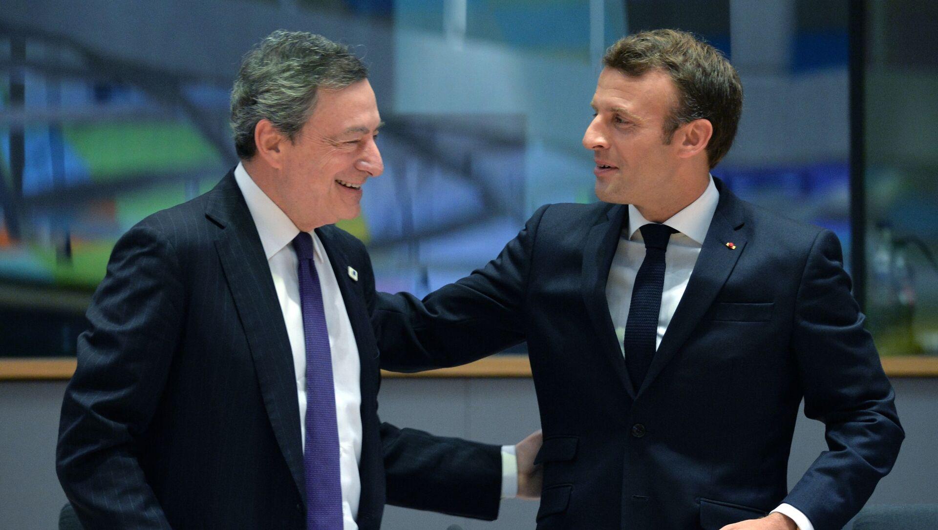 Mario Draghi e Emmanuel Macron - Sputnik Italia, 1920, 21.04.2021