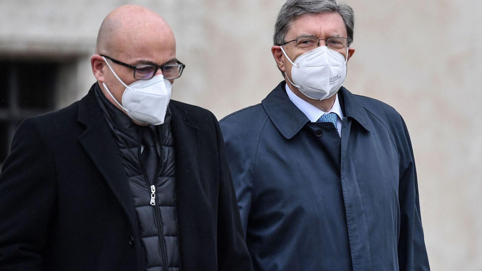 Enrico Giovannini, Ministro Infrastrutture e Trasporti (a destra) e Roberto Cingolani, Ministro per la Transizione ecologica (a sinistra) - Sputnik Italia, 1920, 01.07.2021