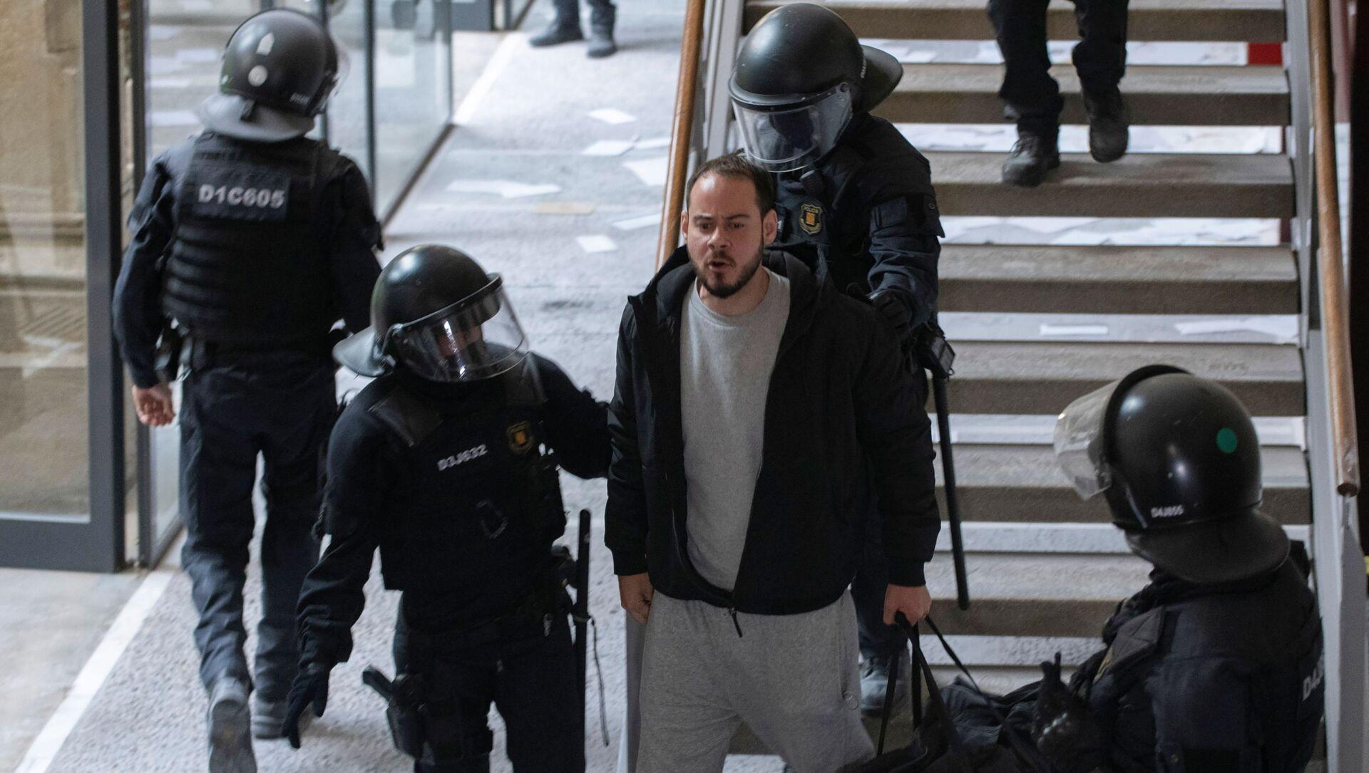 Barcellona, manifestazioni per il rapper Hasel: 6 anarchici italiani arrestati - Sputnik Italia, 1920, 02.03.2021