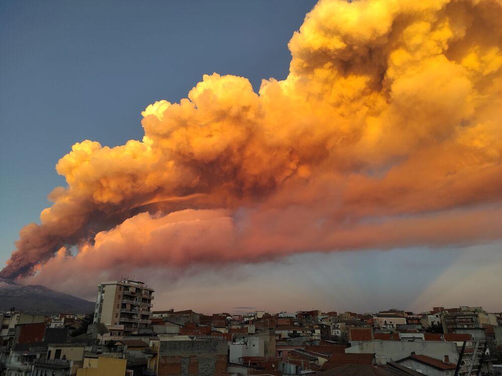 Eruzione dell'Etna in Italia