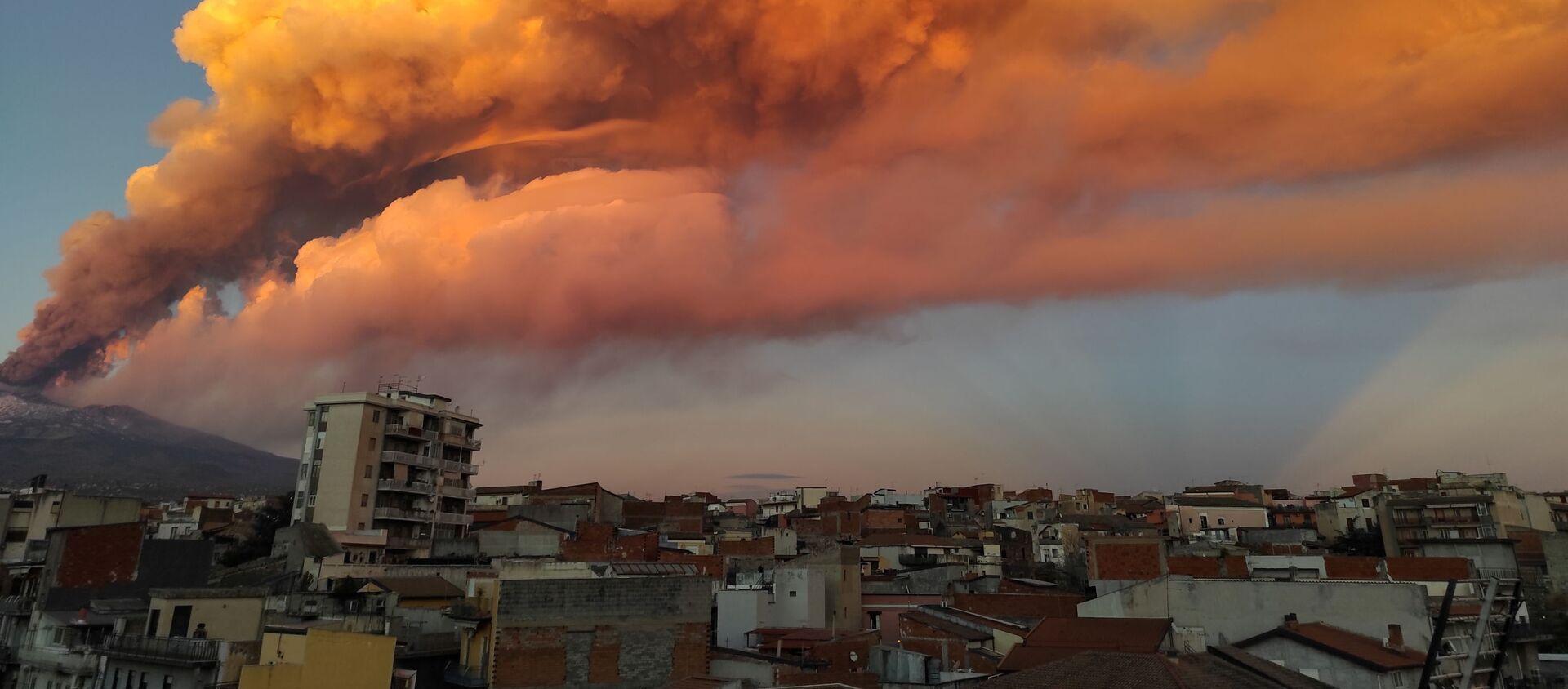 L'eruzione dell'Etna in Sicilia - Sputnik Italia, 1920, 06.03.2021