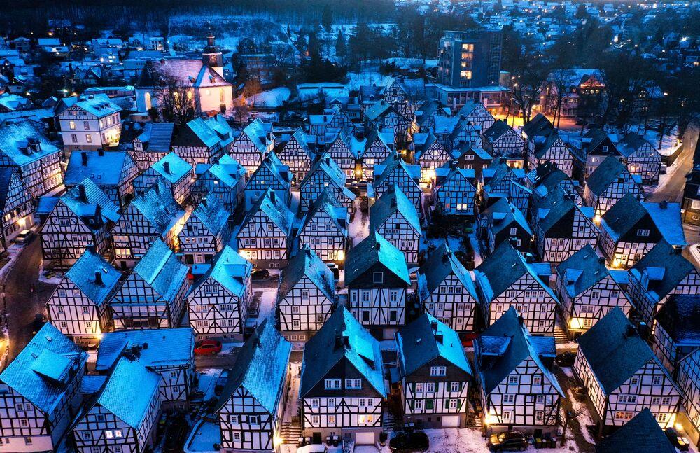 Alter Flecken, la storica città vecchia in inverno, Freudenberg, Germania
