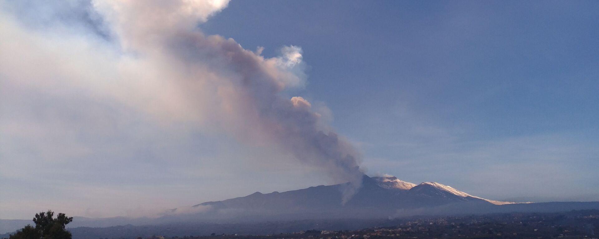L'eruzione dell'Etna in Sicilia - Sputnik Italia, 1920, 27.05.2021