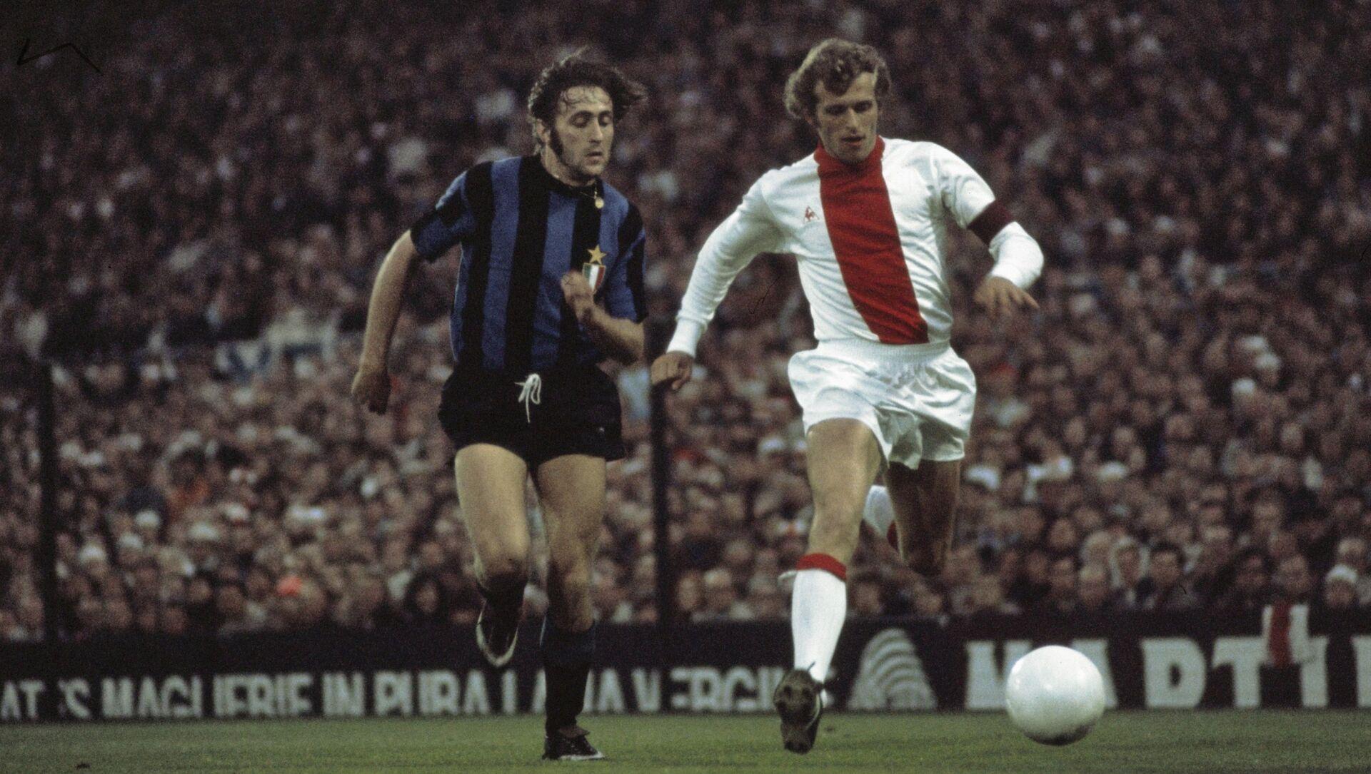 Mauro Bellugi in azione durante la Coppa dei Campioni 1970-1971 - Sputnik Italia, 1920, 20.02.2021