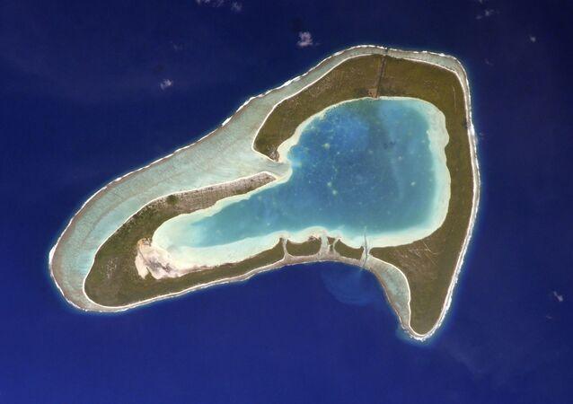 Tupai: l'atollo a forma di cuore, la foto scattata dal cosmonauta russo Sergey Kud-Sverchkov dalla ISS.