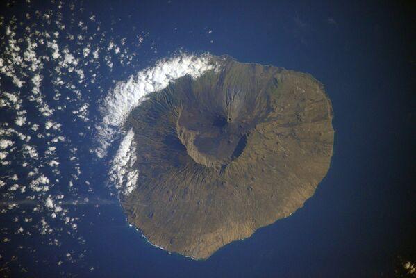 Vista dallo spazio su Capo Verde, la foto scattata dal cosmonauta russo Sergey Kud-Sverchkov dalla ISS.  - Sputnik Italia