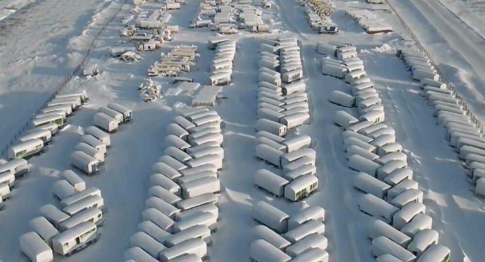 Vuoto eterno: vista dall'alto sui villaggi abbandonati del nord della Russia
