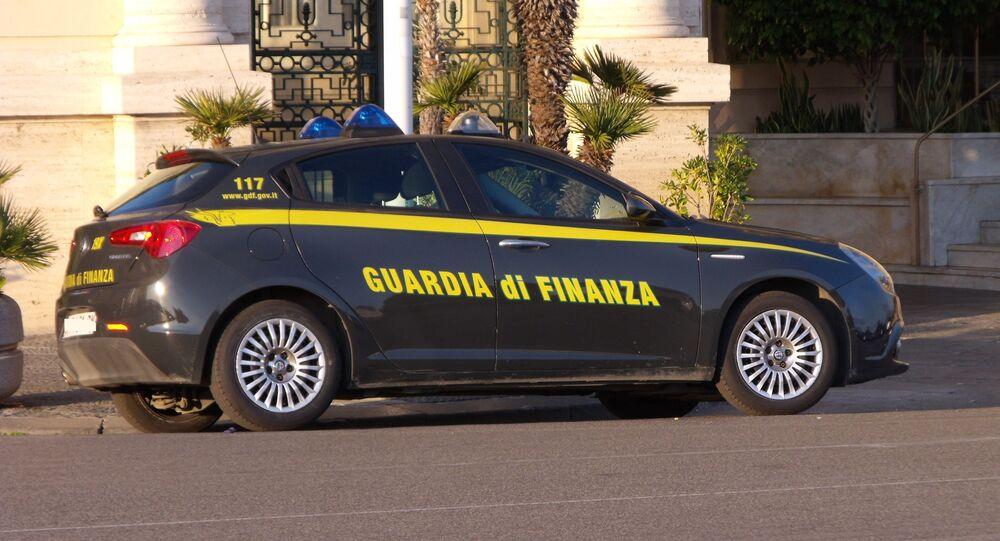 Autovettura guardia di finanza
