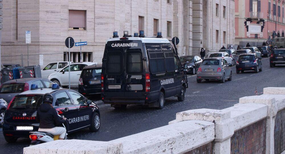 Auto e furgone carabinieri