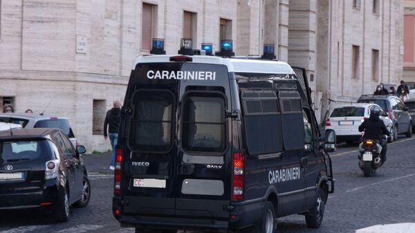 Furgone dei carabinieri - Sputnik Italia