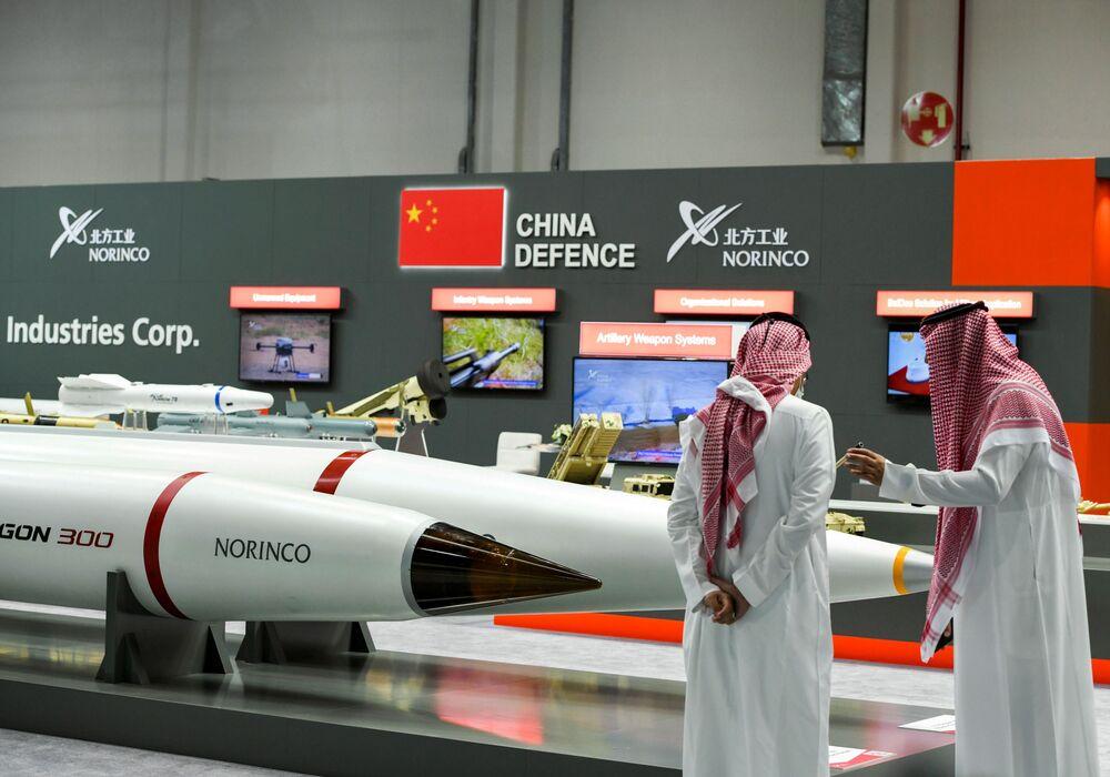La fiera internazionale di armi IDEX-2021 ad Abu Dhabi