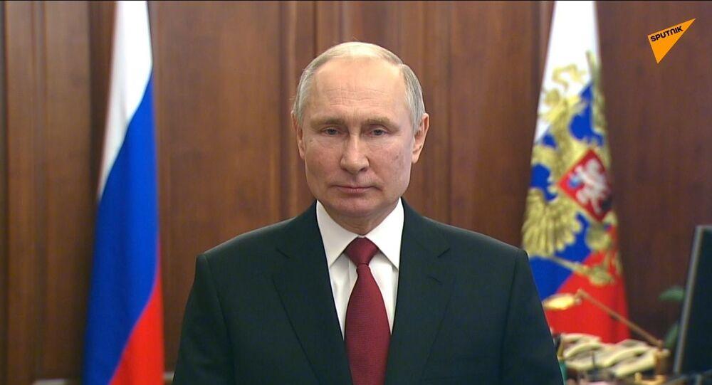 Russia, messaggio di congratulazioni di Putin in occasione della Giornata del difensore della Patria