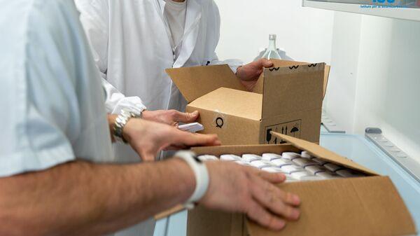 I medici di San Marino con il vaccino russo Sputnik V - Sputnik Italia