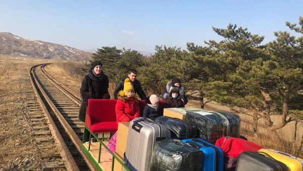 Diplomatici russi hanno lasciato la Corea del Nord a bordo di una draisina ferroviaria - Sputnik Italia