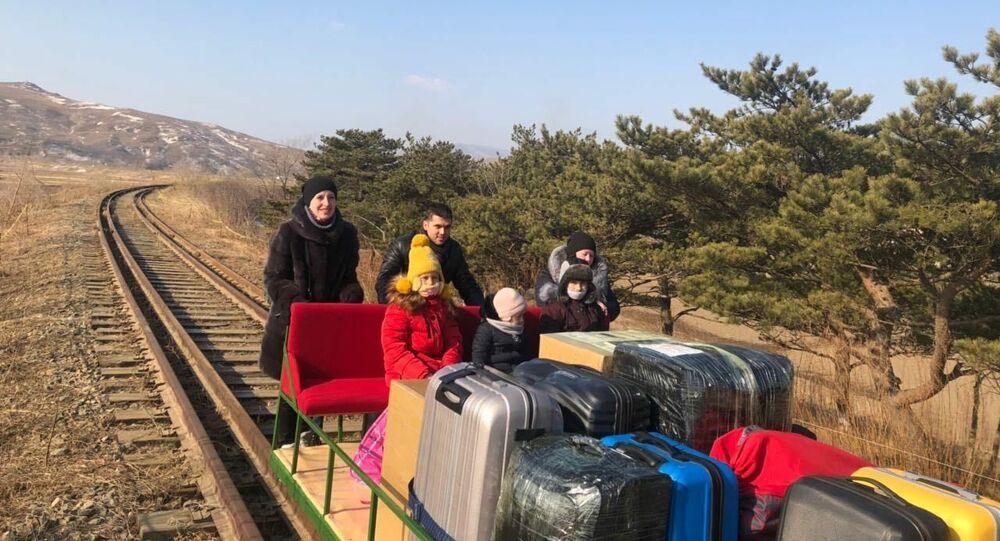 Diplomatici russi hanno lasciato la Corea del Nord a bordo di una draisina ferroviaria