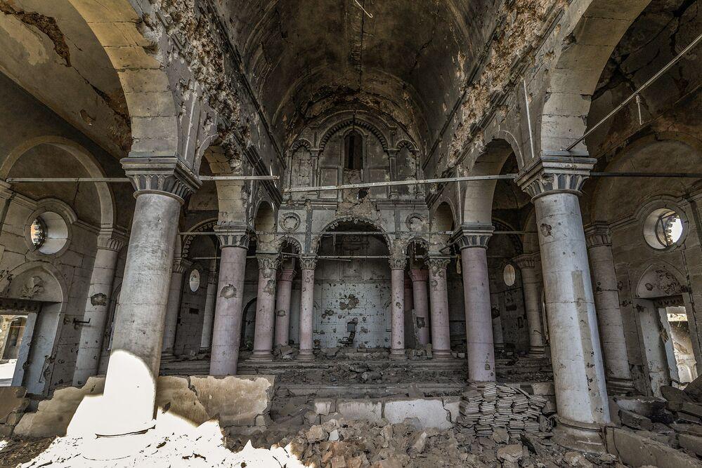 Una scuola cattolica distrutta a Mosul durante l'occupazione dell'Isis