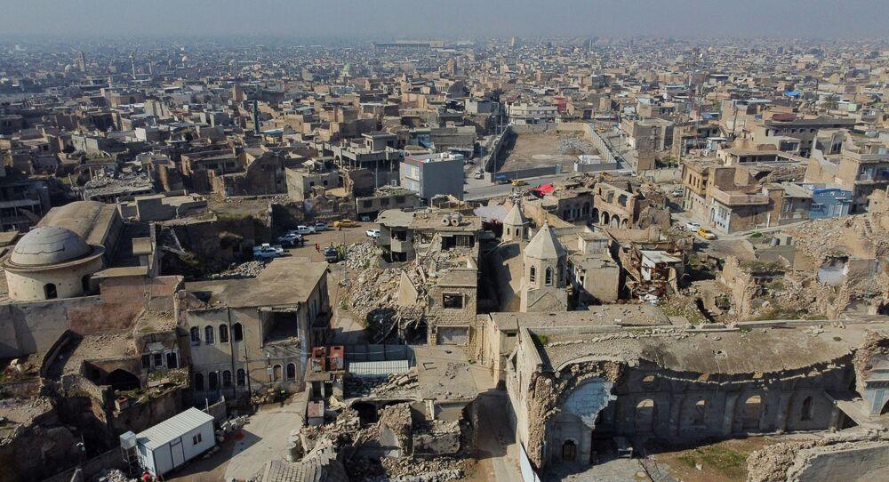 La vista di Mosul che è stato distrutto durante l'occupazione dell'Isis