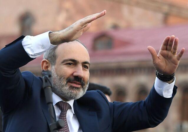 Il primo ministro Nikol Pashinyan