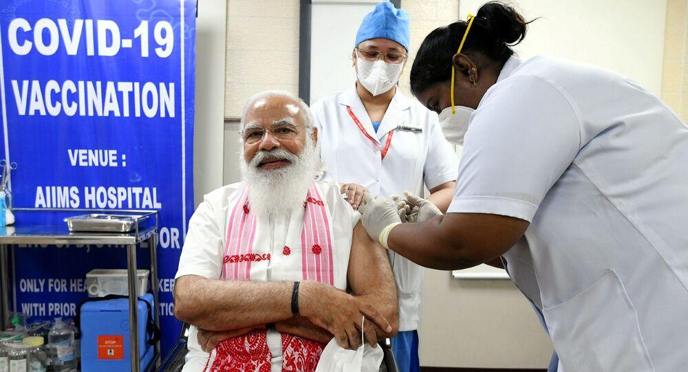 La vaccinazione di Narendra Modi