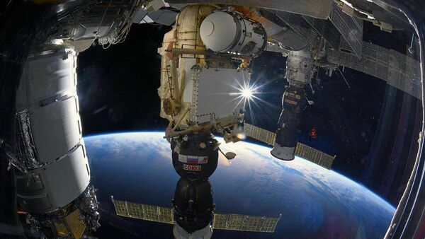 Navicella spaziale Soyuz sulla Stazione Spaziale Internazionale (ISS) - Sputnik Italia