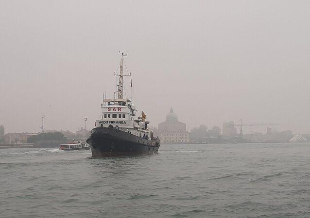 La nave  Mar Jonio