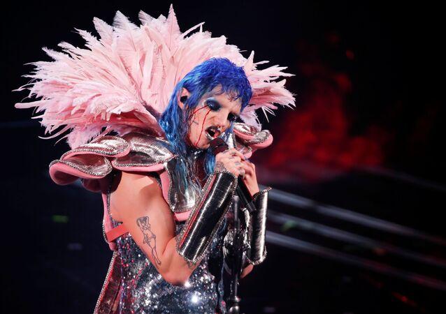 Achille Lauro si esibisce durante il 71° Festival di Sanremo, che viene trasmesso in diretta senza partecipazione del pubblico a causa della pandemia del coronavirus, al Teatro Ariston, a Sanremo, il 2 marzo 2021
