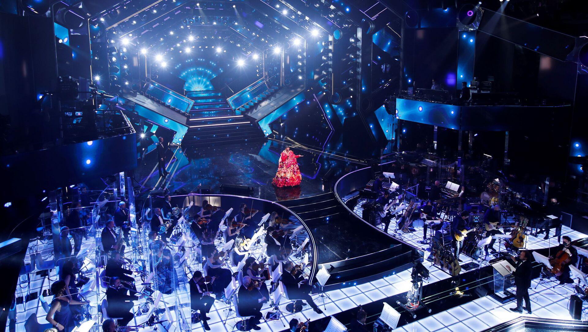 Rosario Fiorello si esibisce durante il 71° Festival di Sanremo in diretta dal Teatro Ariston, il 2 marzo 2021 - Sputnik Italia, 1920, 03.03.2021
